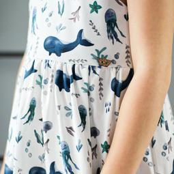 Schnittmuster Adriadress von Amelie Clothing mit abgewandelten Rockteil genäht von LeMi